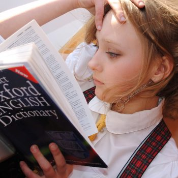 Letni, intensywny kurs języka angielskiego z lektorem polskim dla dzieci (9-13 lat)