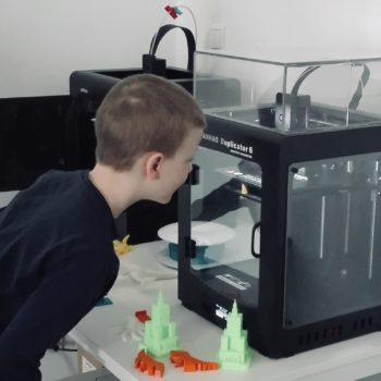 Letnie półkolonie językowe z zajęciami z projektowania 3D dla dzieci i młodzieży od 4 do 13 lat Warszawa