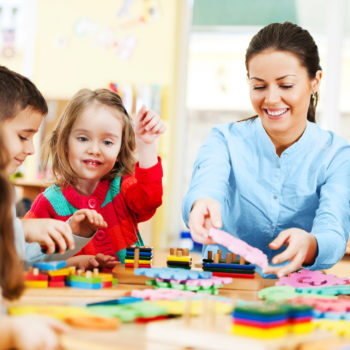 """Weekendowe kurs dziecięce (3-4 lat) języka angielskiego - A0 """"Beginner"""" z lektorem polskim"""