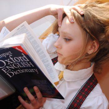 """Weekendowy kurs dziecięce języka angielskiego dla nastolatków (13-14 lat) - B1 """"Intermediate"""" z lektorem polskim"""