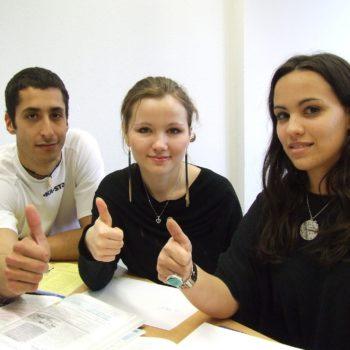 """Weekendowe kurs dziecięce (15-16 lat) języka angielskiego - B1/B2 """"Intermediate"""" z lektorem polskim"""