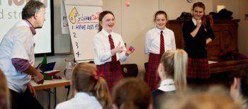 Intensywny kurs konwersacyjny dla młodzieży na poziomie B1 z lektorem polskim